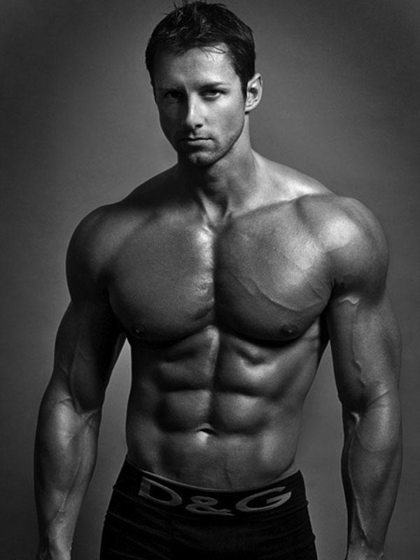 чарльз увидел спортивное мужское телосложение картинки этом лампы